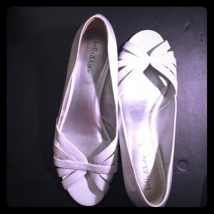 Peep toe white wedge